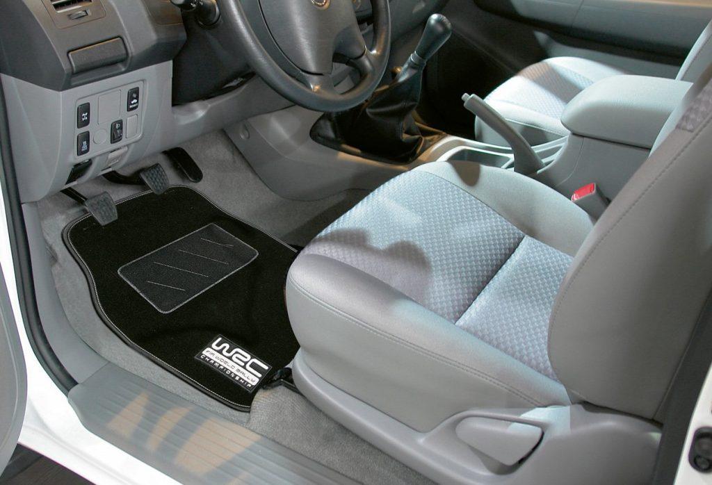 tapis sol voiture pas cher